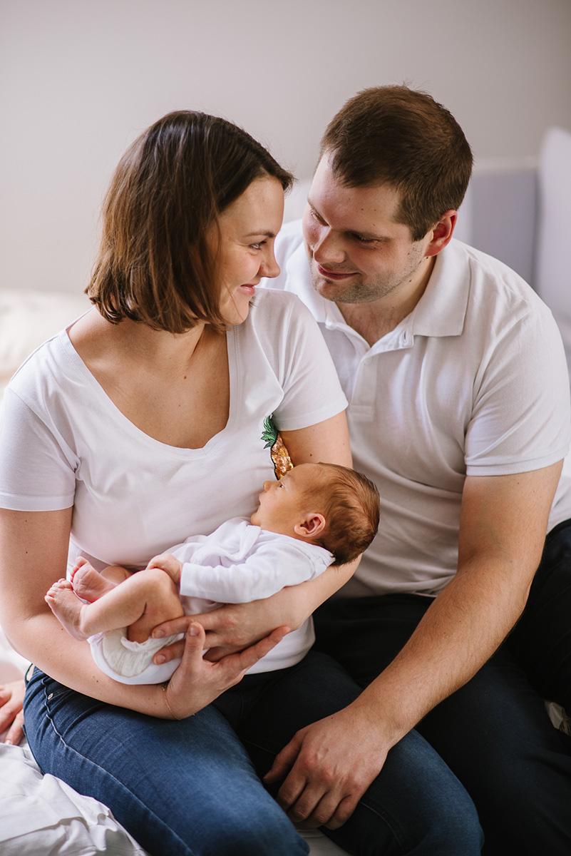 Sesja z noworodkiem w domu